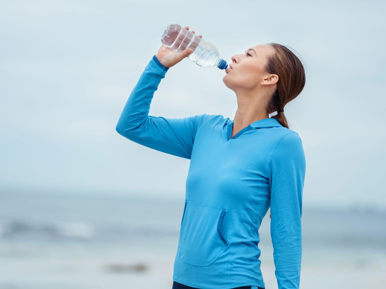 bebe agua hidrogenada